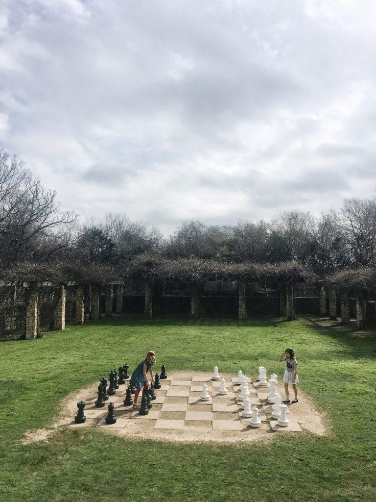 san-antonio-botanical-gardens-giant-chess